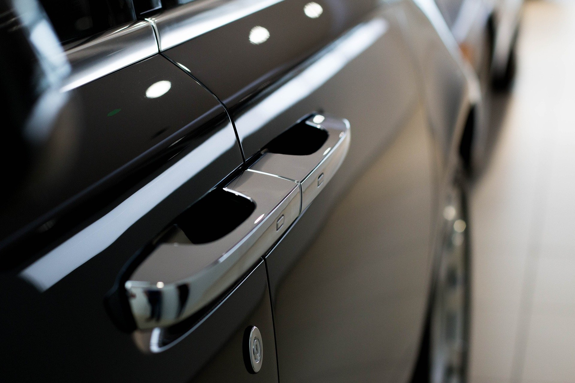 Image of Rolls Royce door handle | Luxian of London executive chauffeur services